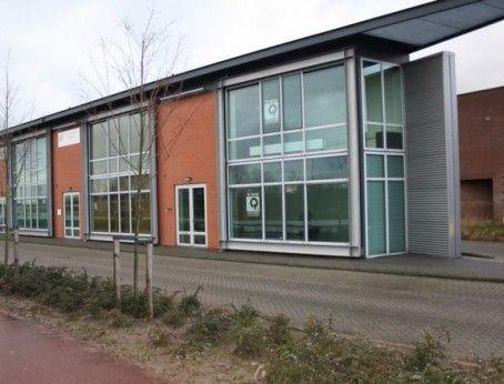 Te huur: hoogwaardige en representatieve kantoorruimte op een zichtlocatie op bedrijventerrein De Sandeling in Hendrik-Ido-Ambacht. Meer weten? Bel 085-4013999  http://www.huurbieding.nl/huur/kantoorpanden/1-00308/hendrik-ido-ambacht/de-veldoven-4a.html  #tehuur #huren #hoogwaardig #representatief #kantoorruimte #kantoor #zichtlocatie #bedrijventerrein #Sandeling #Hendrik #Ido #Ambacht #Vastgoed #Ondernemers #Gezocht