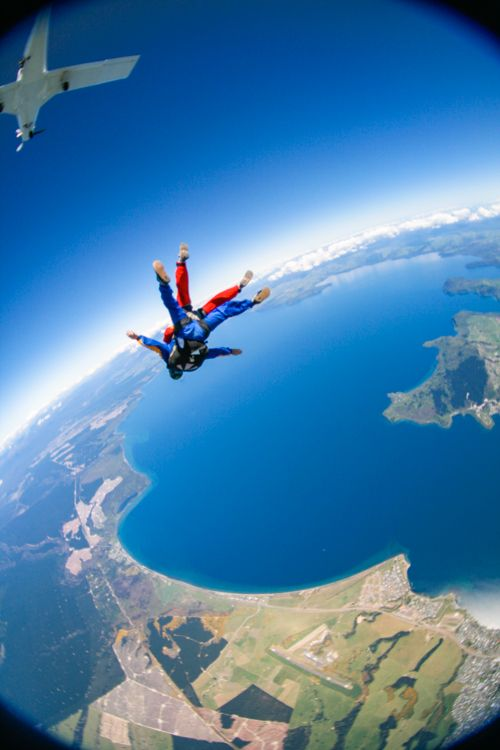 If you have nerves of steel... try Skydiving in Taupo: a real thrill ride in New Zealand | The Travel Tester