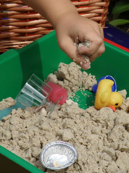 4 cups sand + 2 cups cornflour + 1 cup of water = moon sand! Who knew?