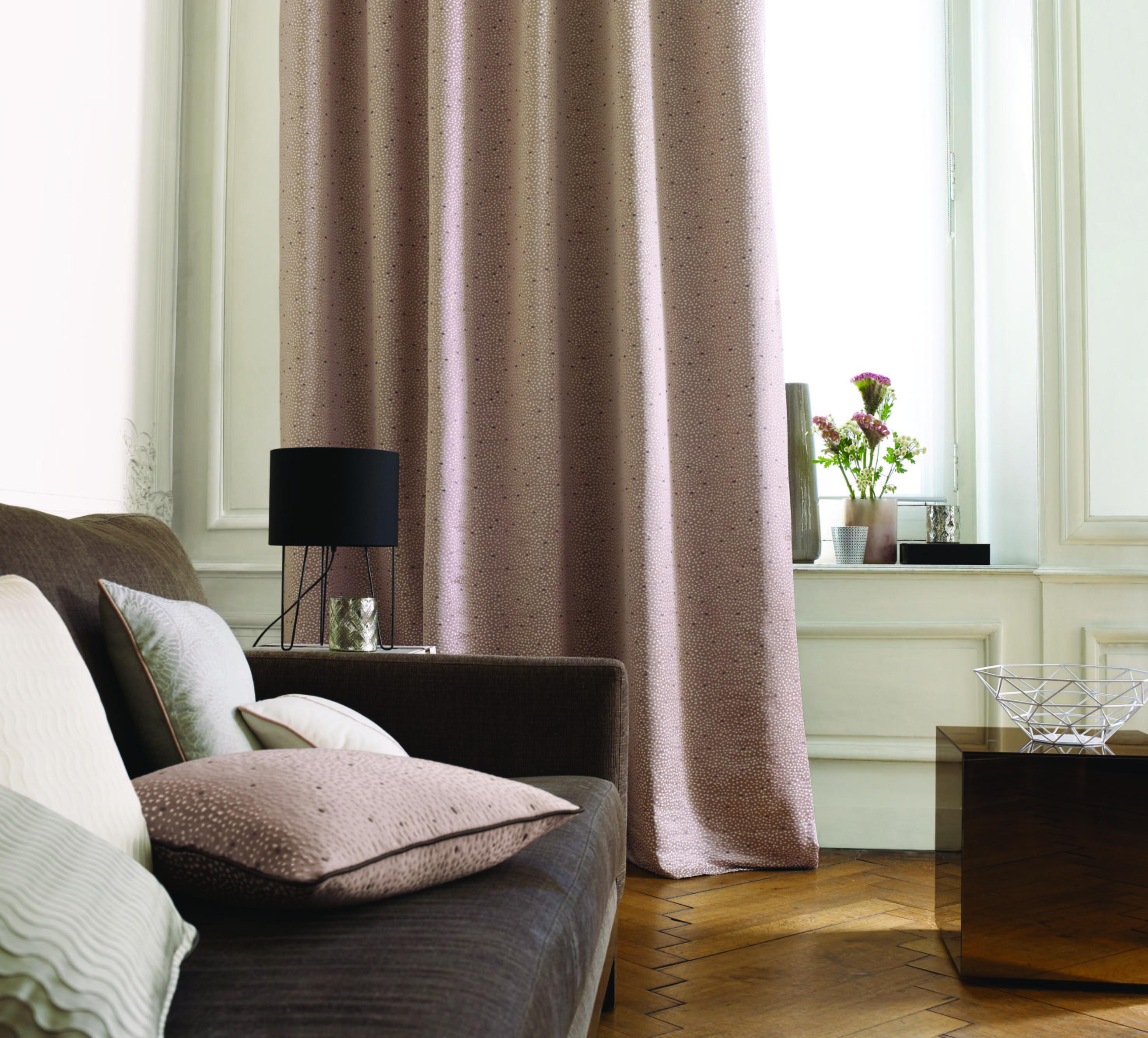 Collection place des vosges rideau canap chaleureux - Tissus pour double rideaux ...