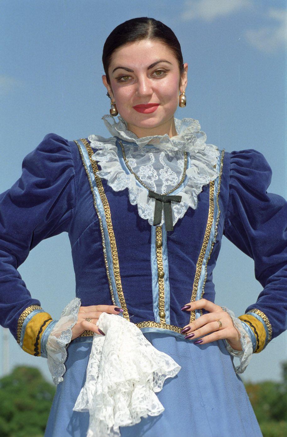 Донская казачка | Народные, исторические костюмы | Fashion ... Донская Казачка Костюм