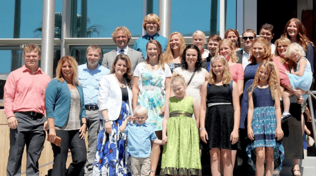 The Latest Sister Wives Drama Reveals The Hardships Of A Polygamist Family Sister Wives Sister Wives Meri Kody Brown