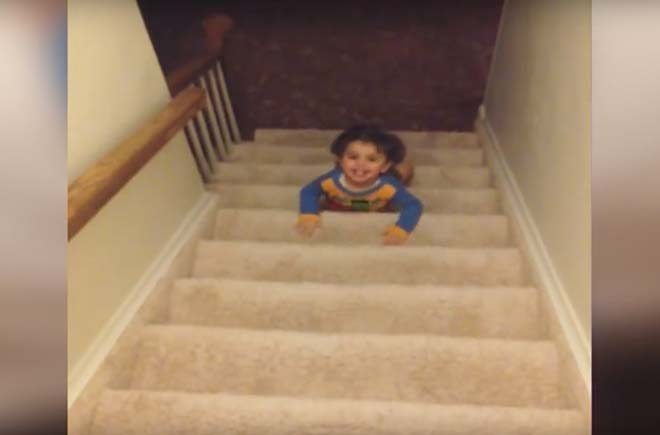 Toddler Escapes Room During Bedtime http://viralselect.com/toddler-escapes-room-during-bedtime/  #Adorable #Cute #Funny #Kids #ViralVideo