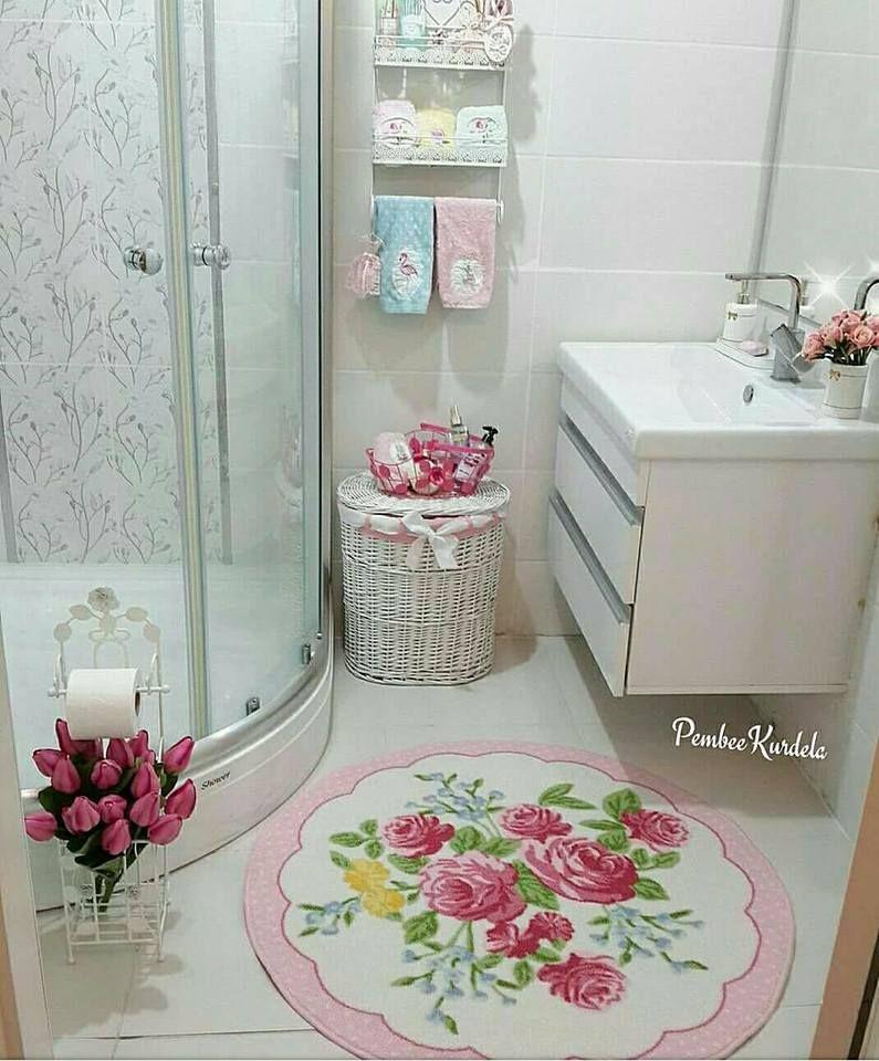 حمامات صغيرة في قمة الترتيب و الشياكة فقط بأفكار بسيطة لا تكلفك الكثير Decoracao Do Banheiro Organizacao Para O Banheiro Ideias Para Casas De Banho