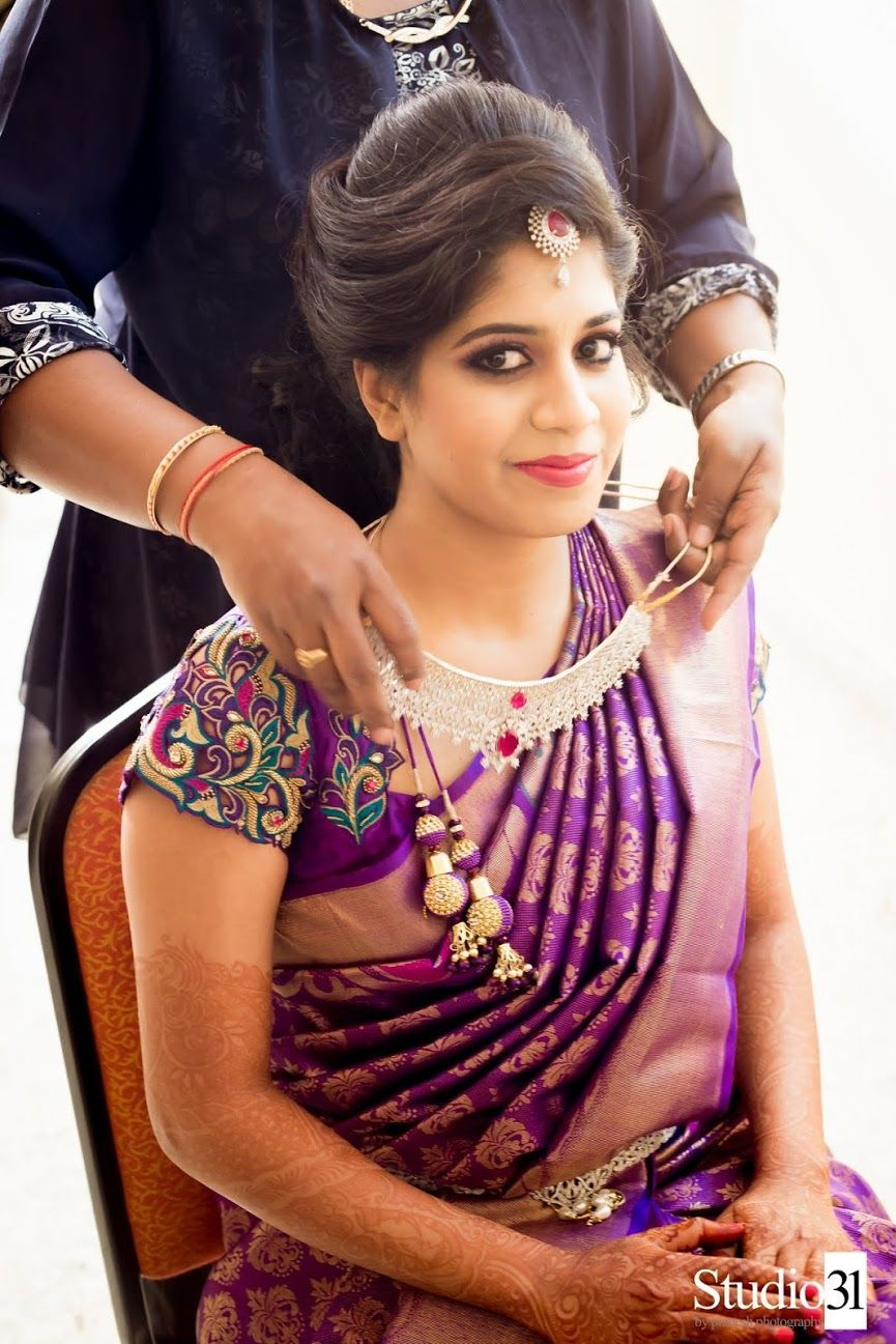 Awesome Weddinghairstyles At Hairstyles For Wedding Saree From Gallery Simple Hairstyles For Wedding Saree Hairstyles Indian Bridal Hairstyles Blouse Designs