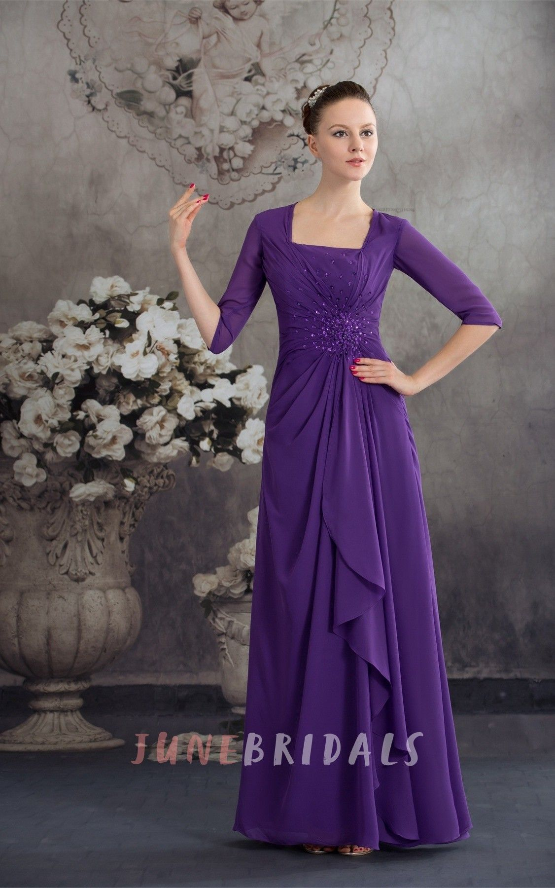 Squareneck halfsleeve chiffon maxi dress with central ruching and