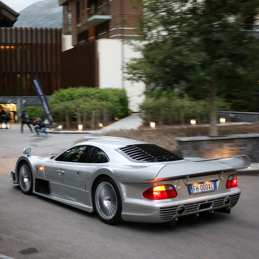 Mercedes Benz CLK GTR CRAZY Powerslides!!