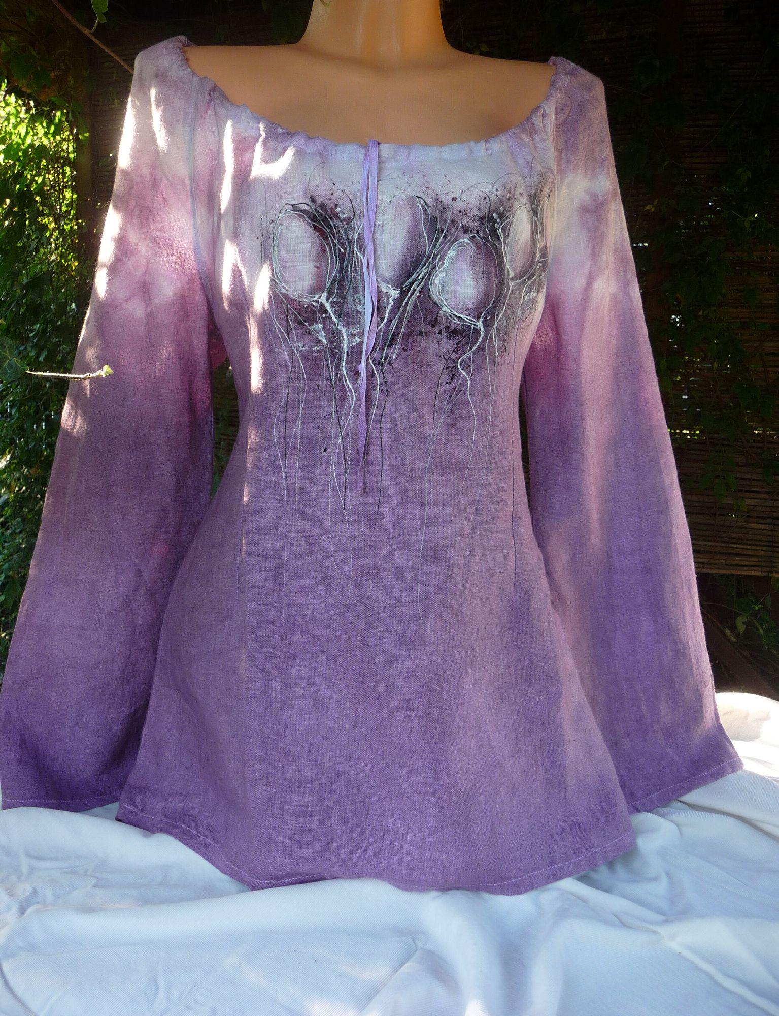 1e70cce0c9d Lněná halenka- vínové květy Ručně malovaná a batikovaná dámská halenka.  Dodání ve všech dostupných