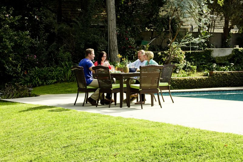 TruGreen's Lawn Lifestyles National Survey reveals that male and female homeowners differ on enjoying springtime outdoors. Males prefer social occasions and females favor solitary time.