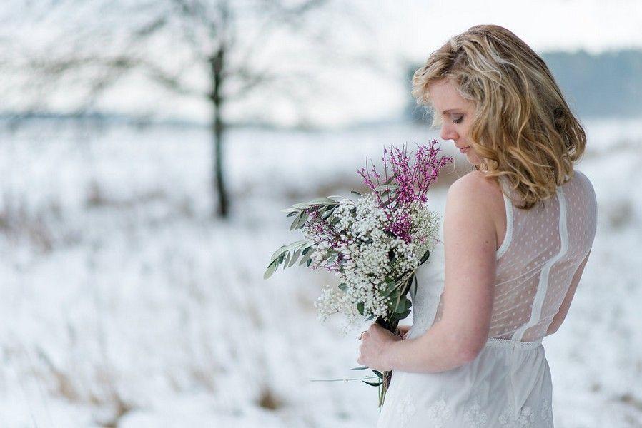 ideen f r hochzeitsfotos im winter brautkleider wedding dresses. Black Bedroom Furniture Sets. Home Design Ideas