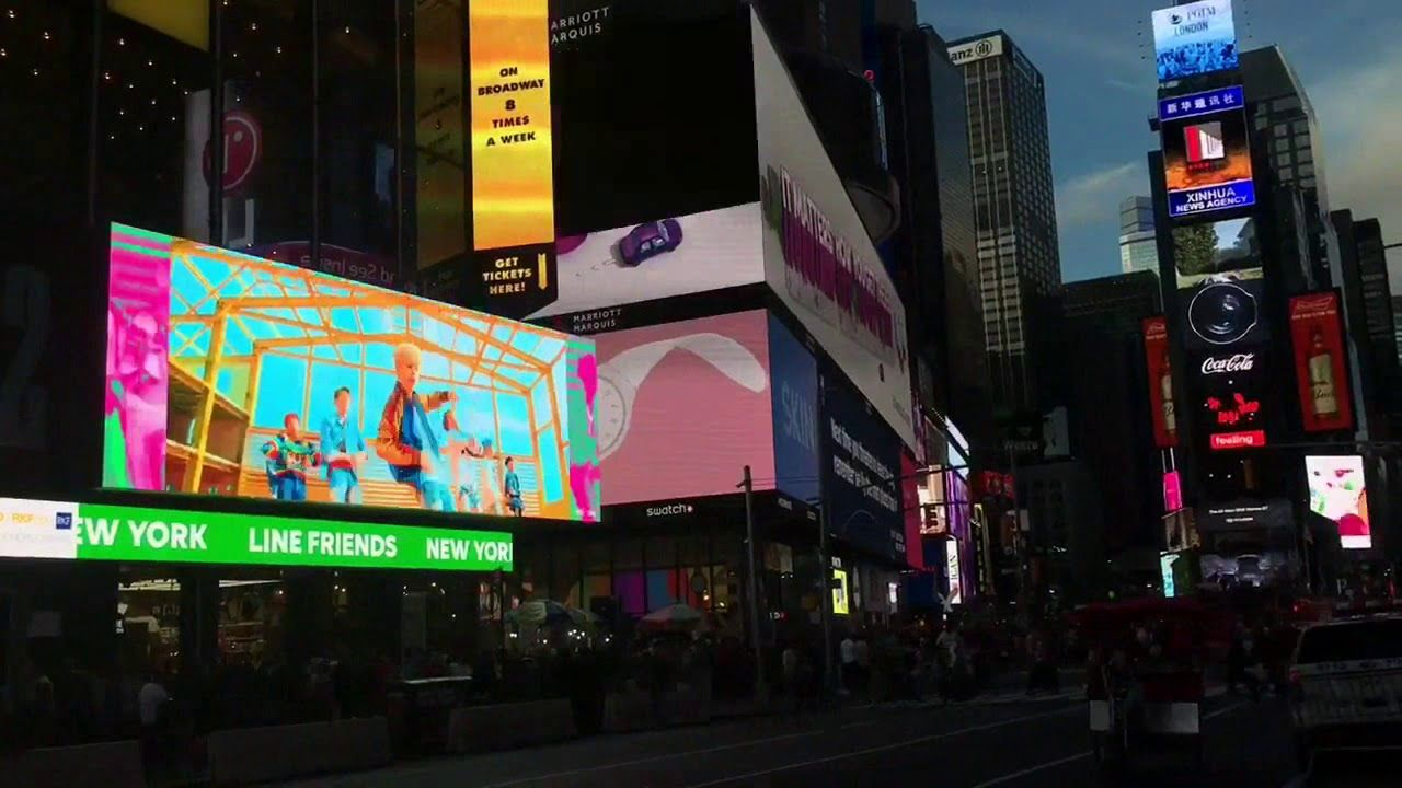 Bts New York Time Square Line Store Is Busy Promoting Bt21 Times Square Line Friends Places To Visit