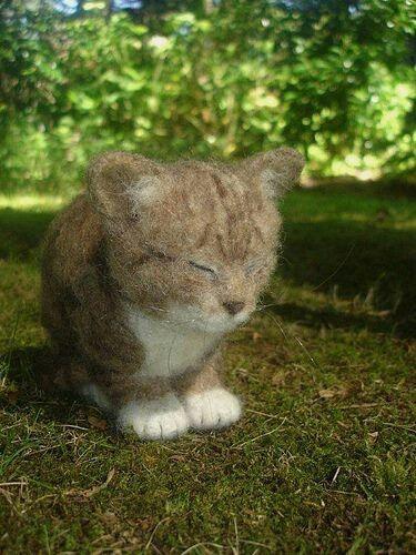 Needle felted cat!