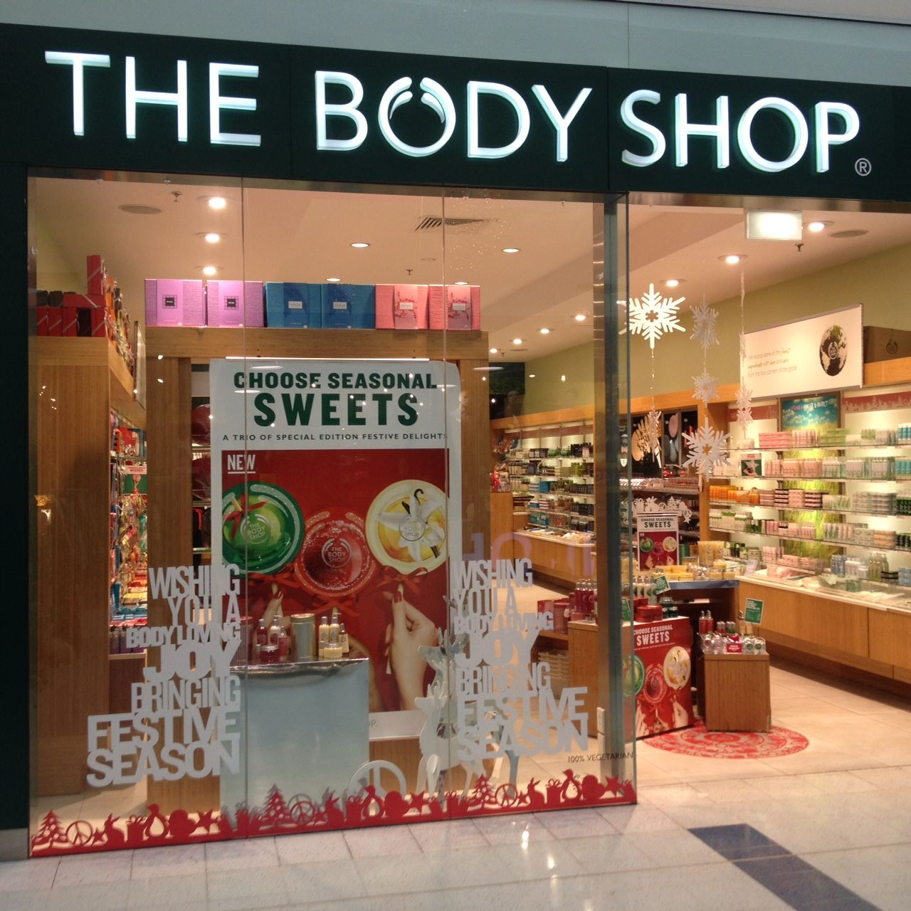 The Body Shop Carousel Seasonal Bath and Body Store Window. #vm ...