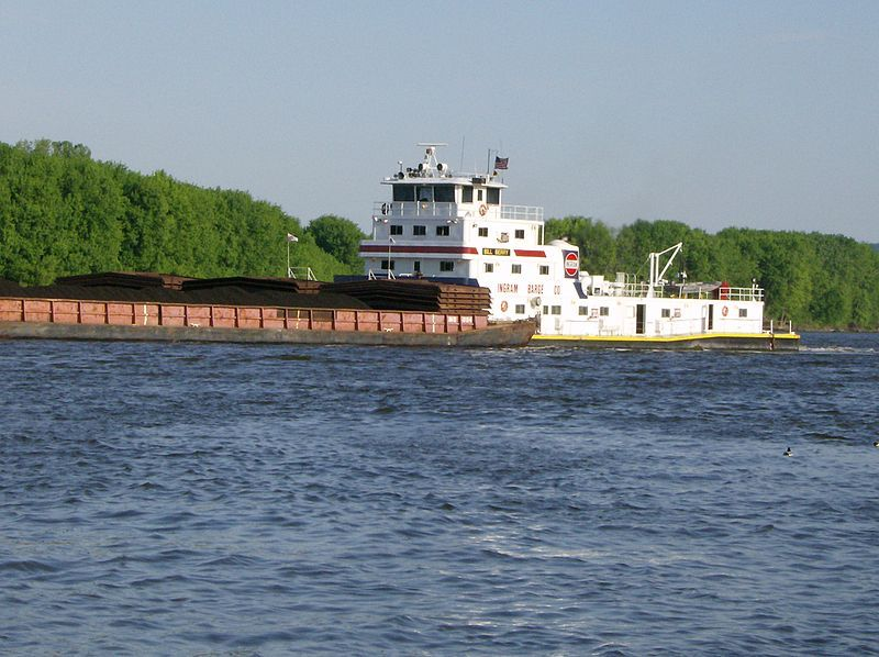 Ingram Barge Line Towboat pushing cargo barges up the