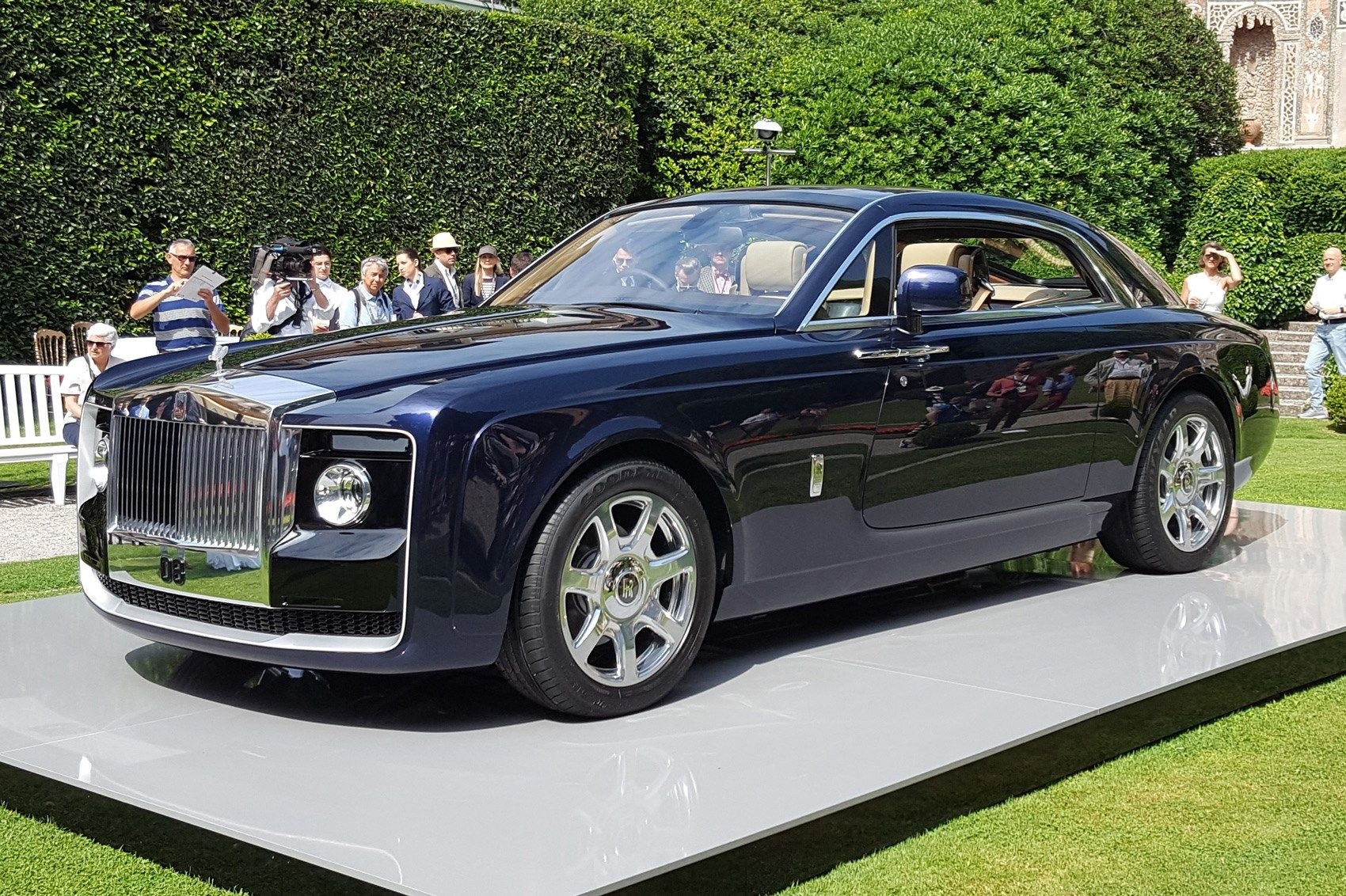 Top 12 Ultimate Expensive Cars In The World Expensive Cars Rolls Royce Most Expensive Car