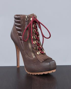 Boutique 9 Boot... So in love with these!