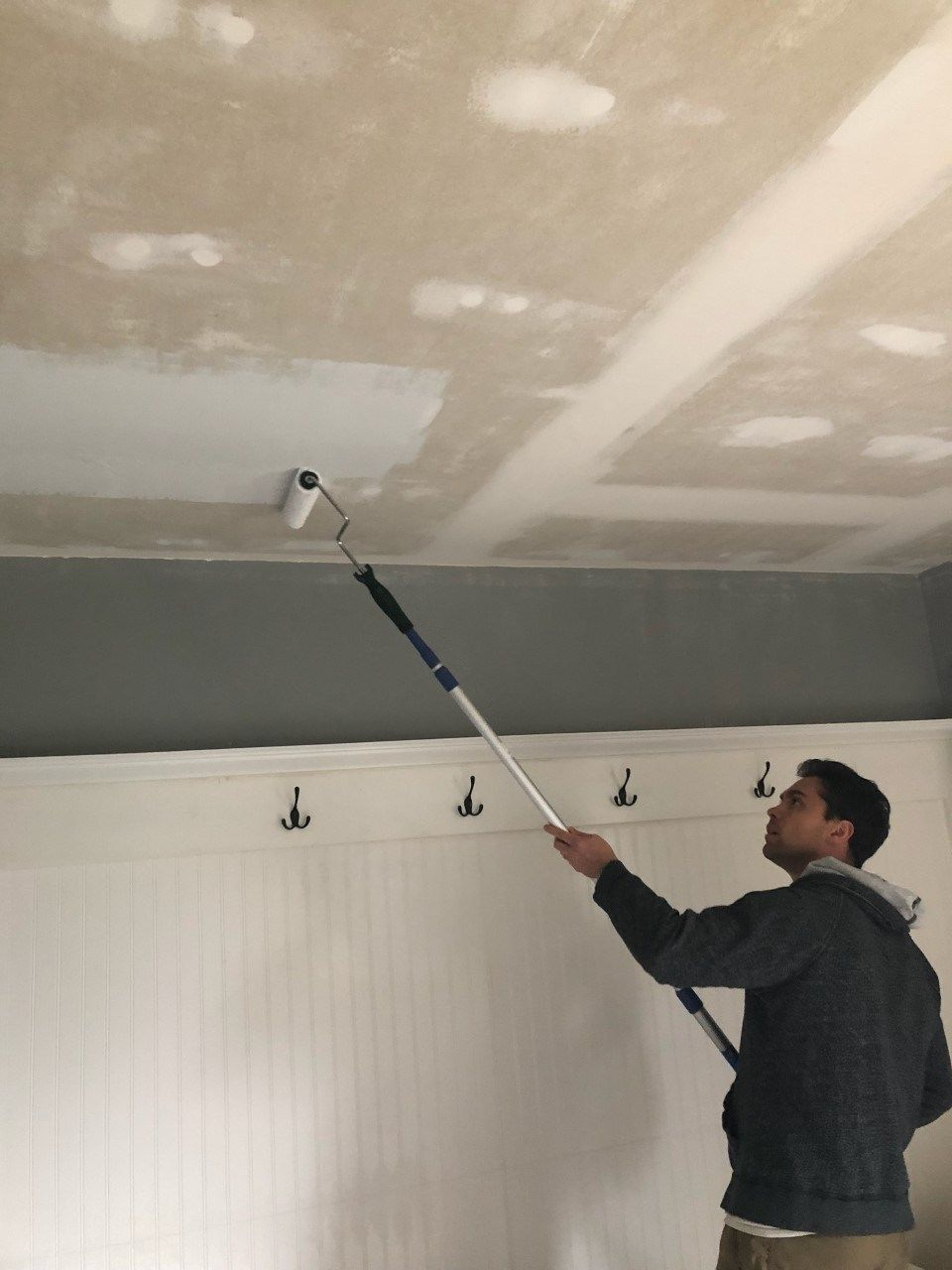 How To Remove Popcorn Ceilings Like A Pro Smoothing Textured Ceilings Removing Popcorn Ceiling Ceiling Texture Popcorn Ceiling