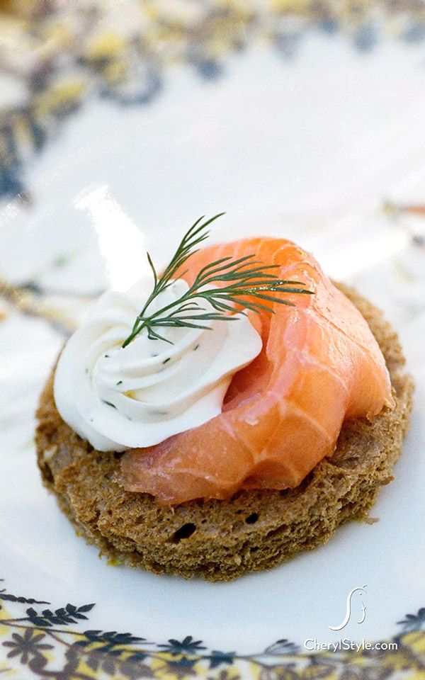 Bagel chips or crostinis topped with lox and cream. This classic combination of cured salmon, crème fraiche and dill is always a crowd pleaser.