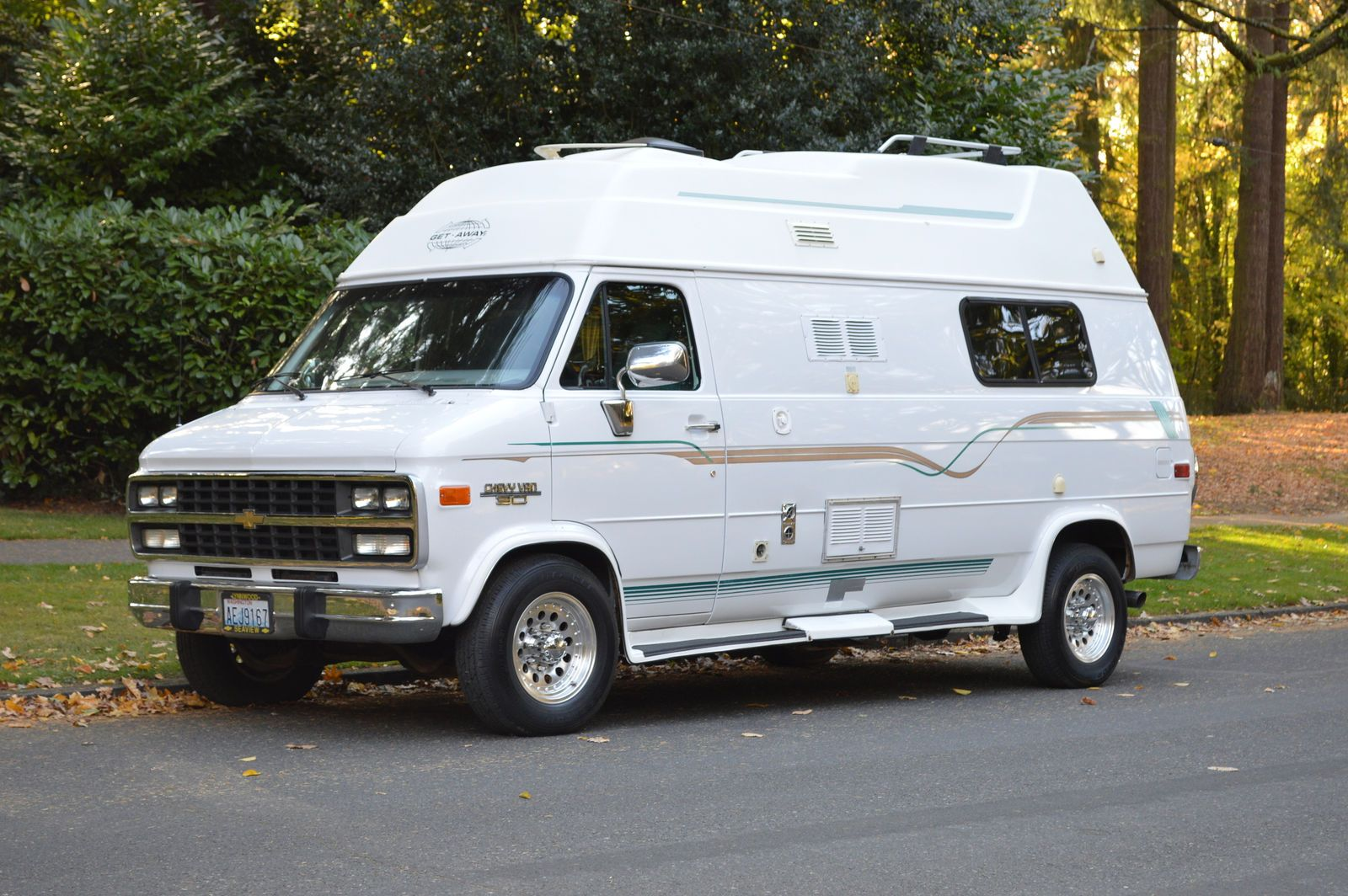 Low Miles 1996 Chevy Get Away Van Camper Gmc Vans Campers For Sale Chevy