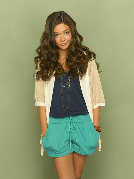 Family Abc S Modern Family Stars Sarah Hyland As Haley