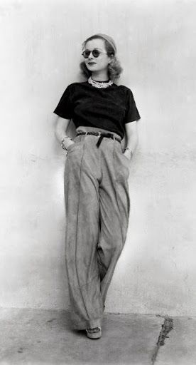 Love The Attitude Black Tee Round Specs Skinny Belt Joan Bennett