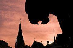 Aachen, Achtung ihr angetrunkenen Männer, sonst holt euch des Nachts auf dem Weg nach Hause das Bahkauv