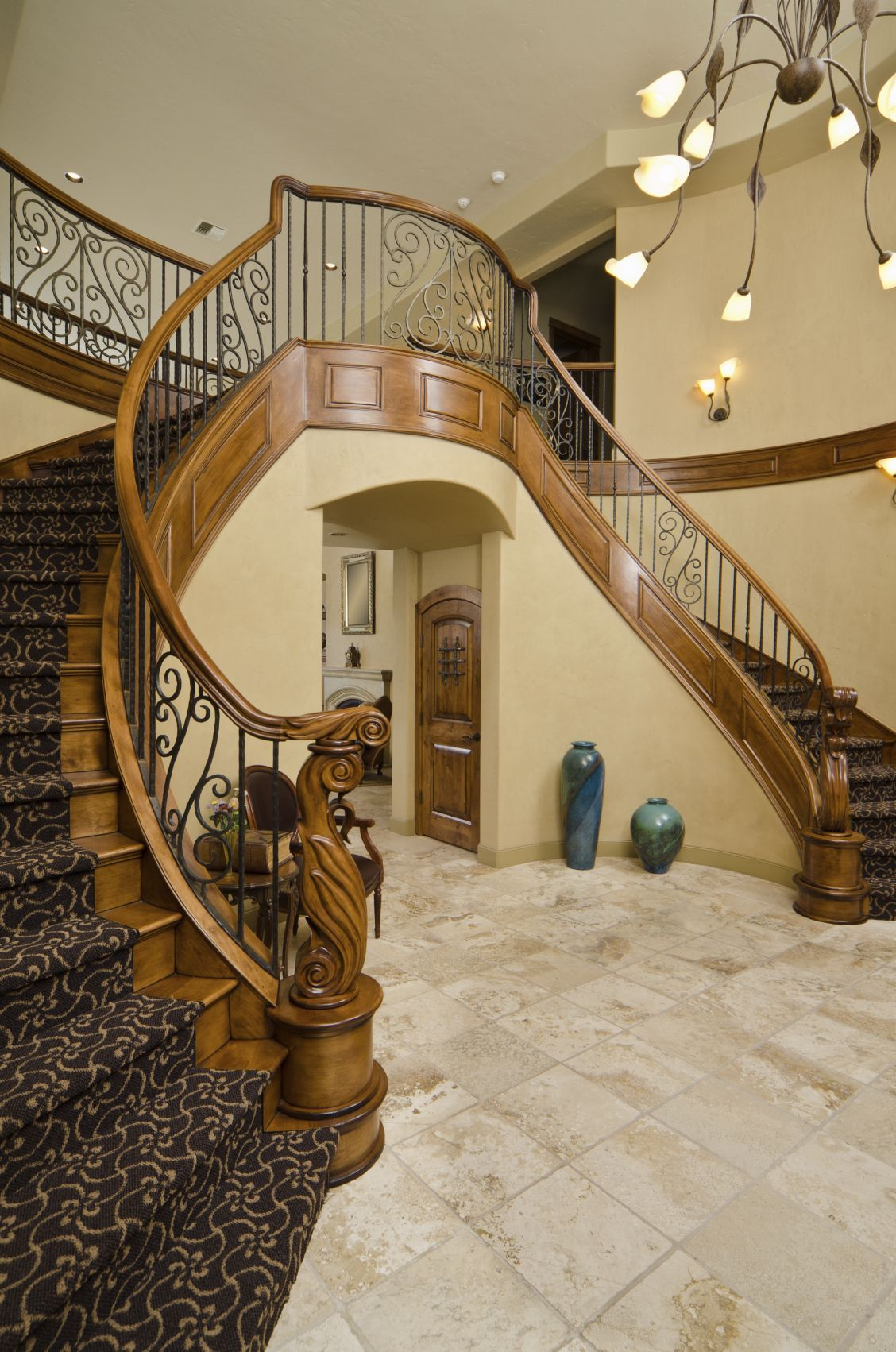 Best The Two Sides Of This Staircase Have An Ornate Carved 400 x 300