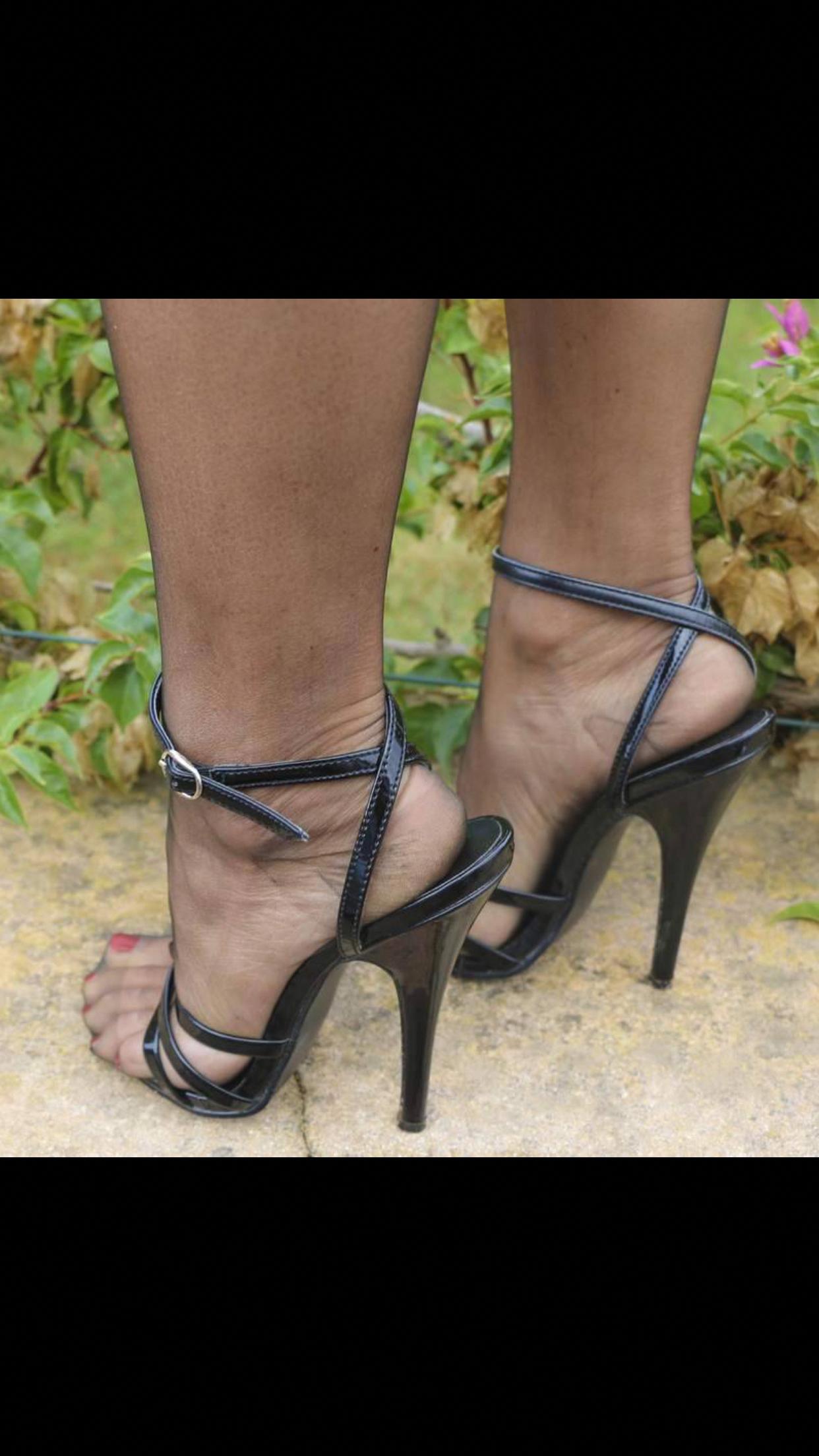 Black High Heels Shiny #Stilettoheels