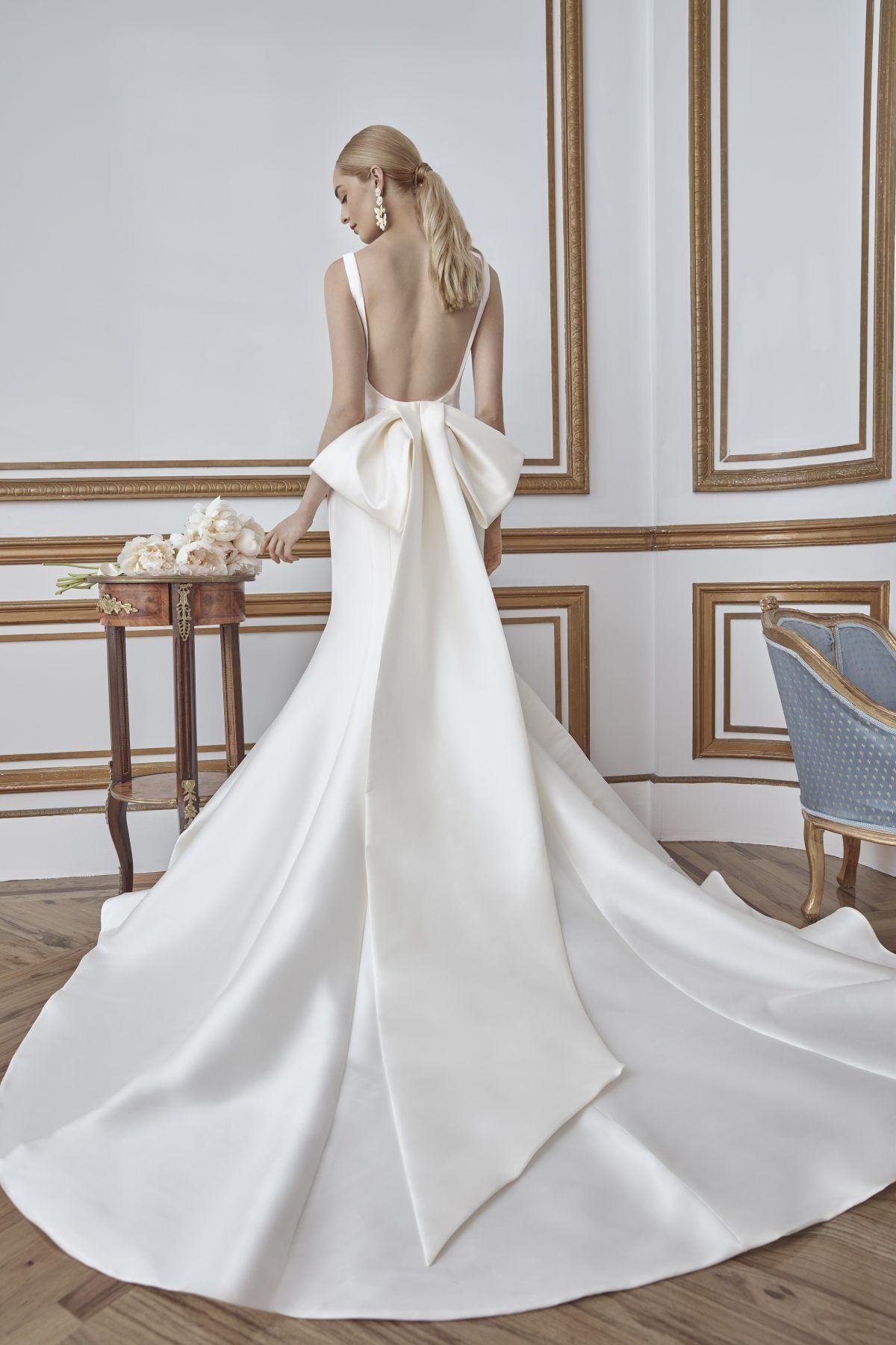 Simple Sleeveless Fit And Flare Mikado Wedding Dress Kleinfeld Bridal In 2021 Sareh Nouri Wedding Dress Bow Wedding Dress Wedding Dresses Kleinfeld [ 1800 x 1200 Pixel ]