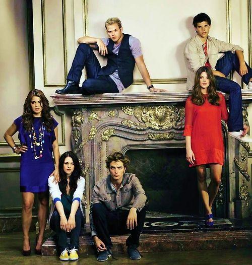 Nikki Reed, Kristen Stewart, Robert Pattinson, Kellan Lutz ...
