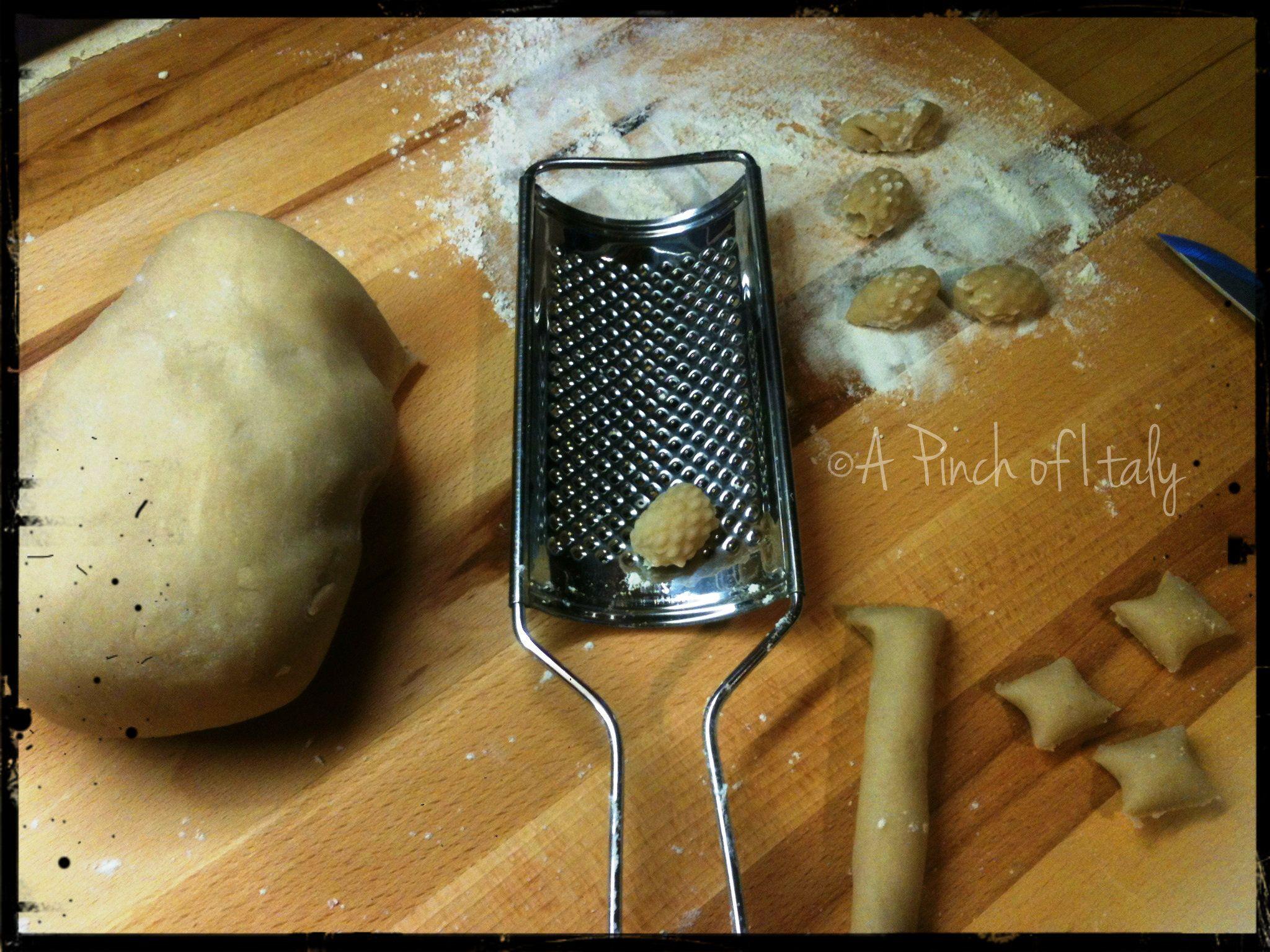 Gnocchi di acqua e farina, ricetta base, a pinch of italy