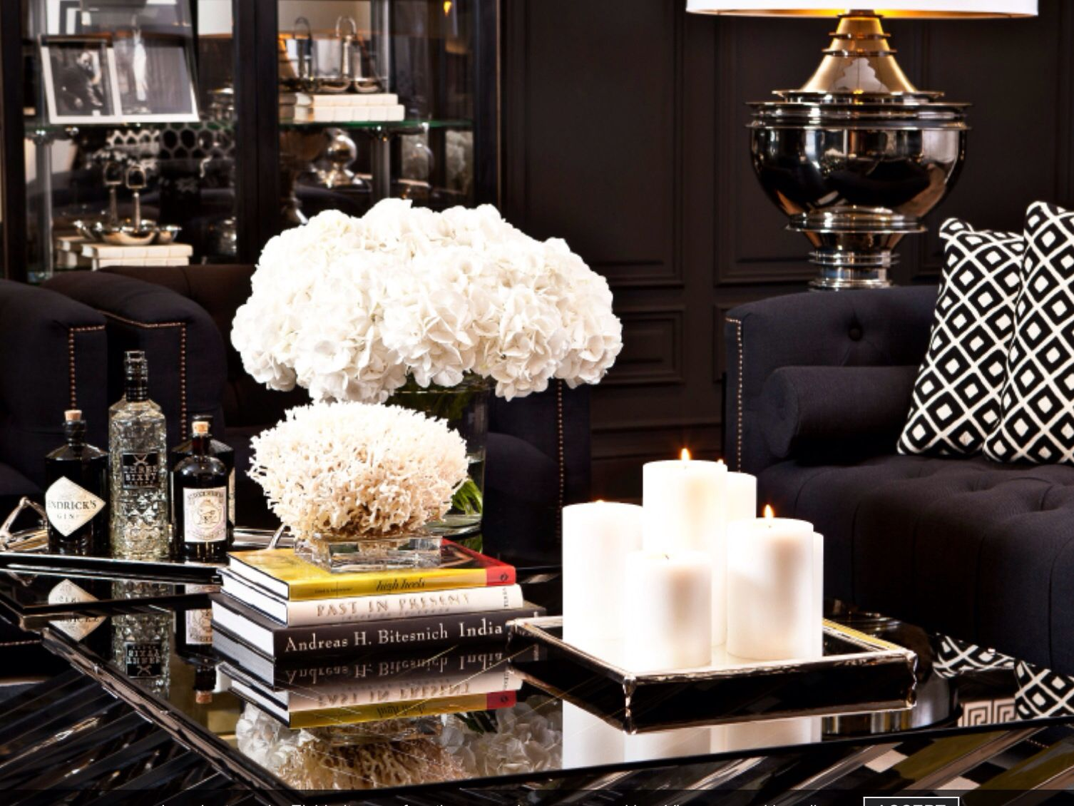 Coffee table styling | Chic Coffee Table ideas | Pinterest | Coffee ...