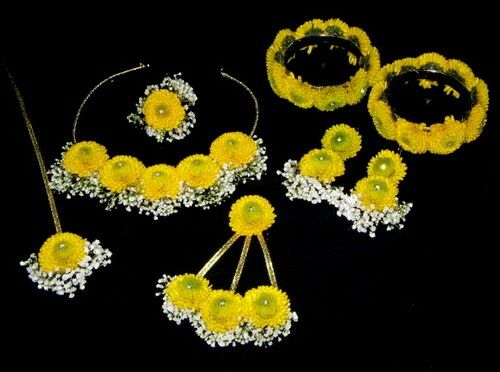 Mehndi Flower Garlands : White and yellow haldi flower jewelry