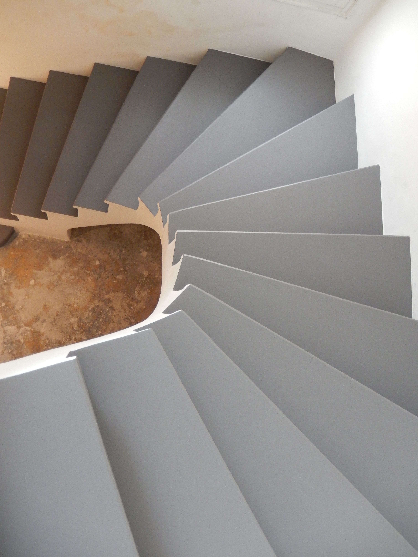 Escalier En Granito Dorigine Restructuré Et Recouvert Dune