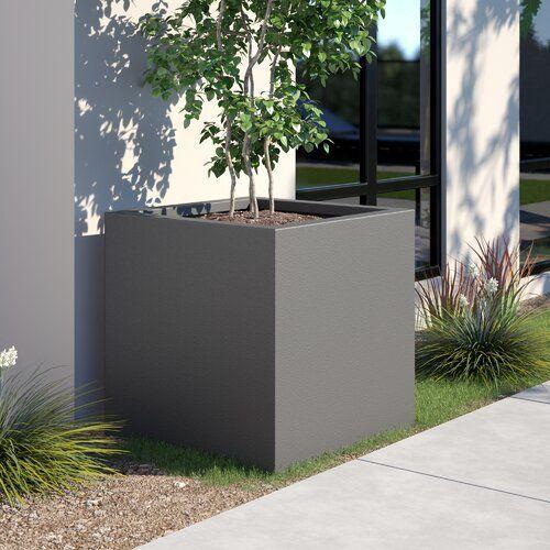 Zipcode design planter West Branch made of fiberglass branch