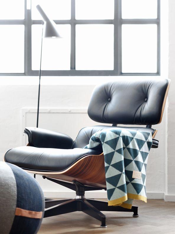 Eames Lounge Chair (Vitra), Arne Jacobsen Floor Lamp (Louis Poulsen),
