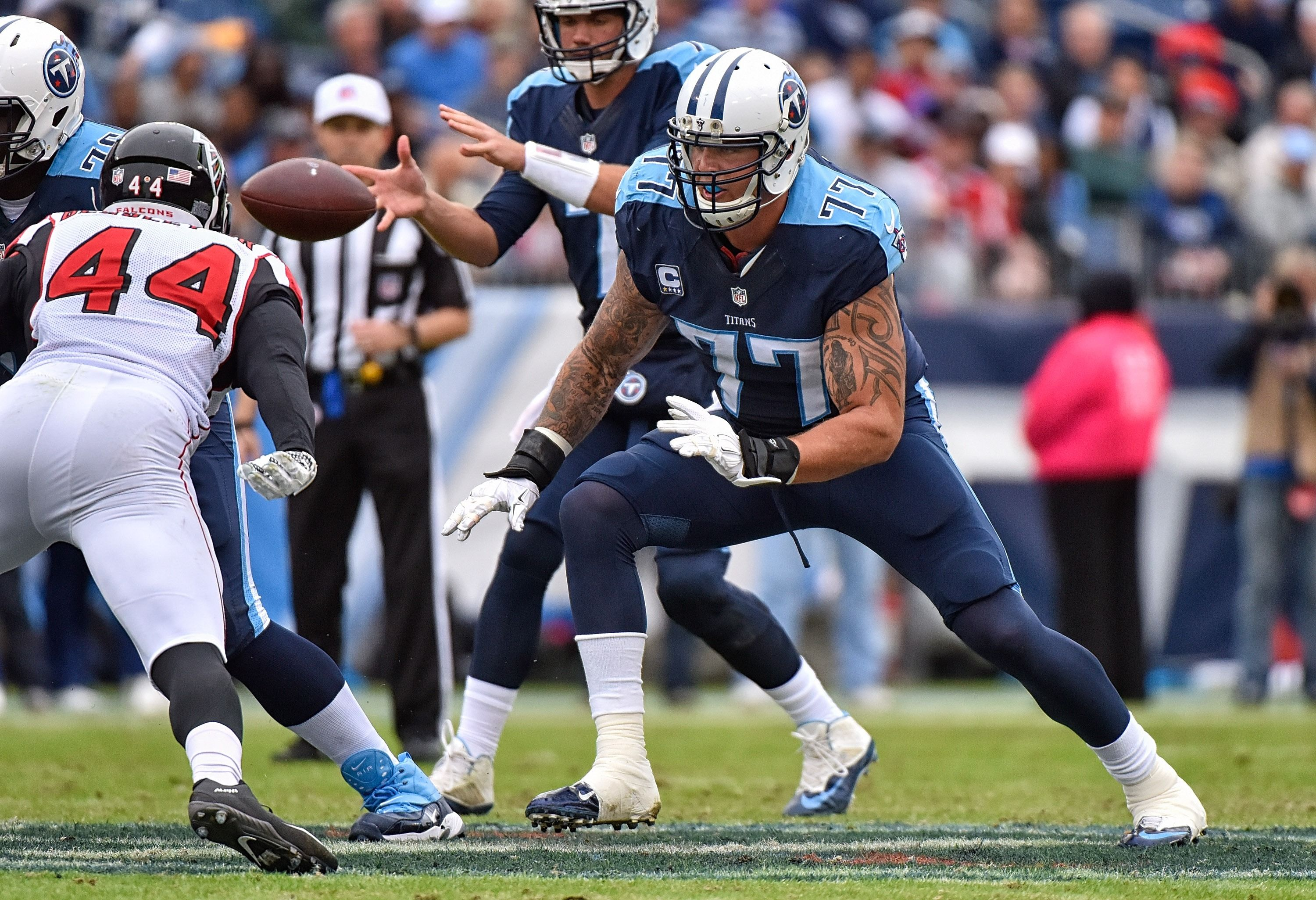 Tennessee Titans Football 2016 Nashville Tn October 25 Taylor Lewan 77 Of The Tennessee Titan Tennessee Titans Titans Football Tennessee Titans Football