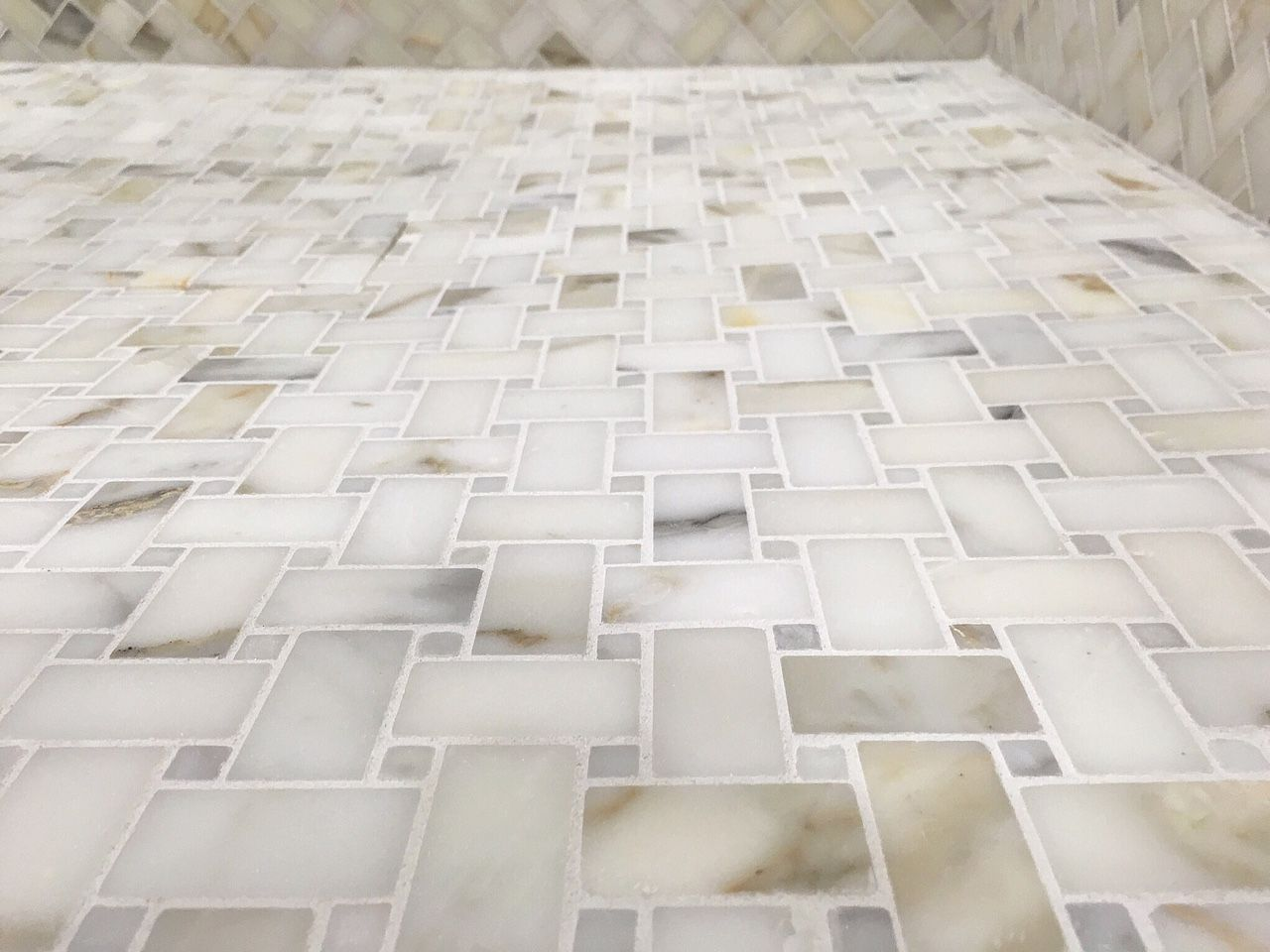 There S Nothing Like Calacatta Gold Flooring To Bring Your Bathroom Life Goo Gl Marble Showersmarble Bathroomstile