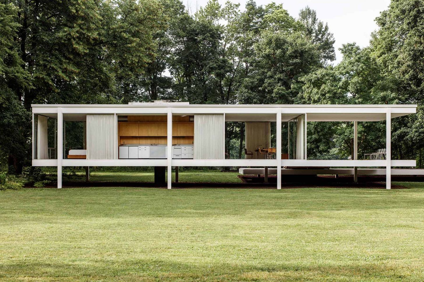 Farnsworth House in Cereal Magazine | a r c h i t e c t u r e ... on cardboard box house, cracker box house, making house, waffle box house,