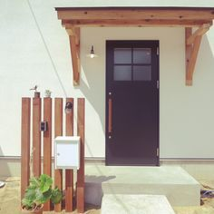 Interior examples such as house with triangular roof and courtyard / steel door / door / entrance lighting / entrance door …-2016-04-02 09: 0 …