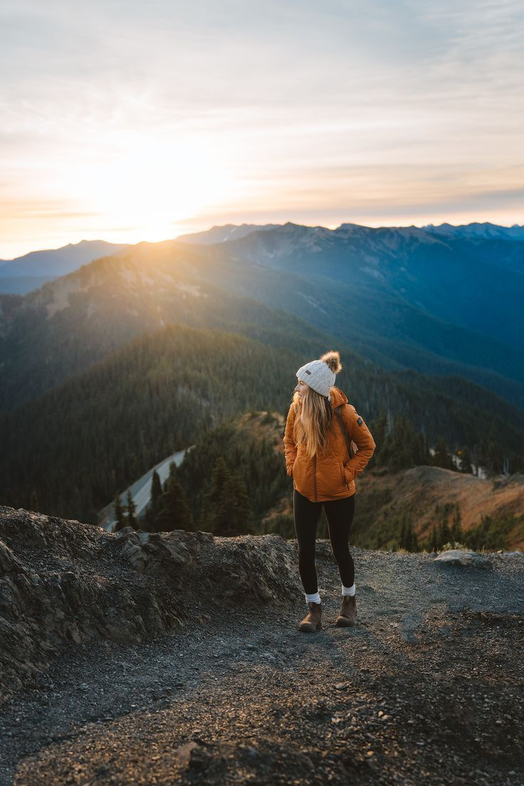 Olympic National Park Adventure Getaway - 24 Hour Itinerary from Seattle, Washington. Featuring beautiful Mount Storm King and Hurricane Ridge in Olympic National Park. By Renee Roaming. #PNW #PacificNorthwest #Seattle #OlympicPeninsula #OlympicNationalPark #MountStormKing #HurricaneRidge