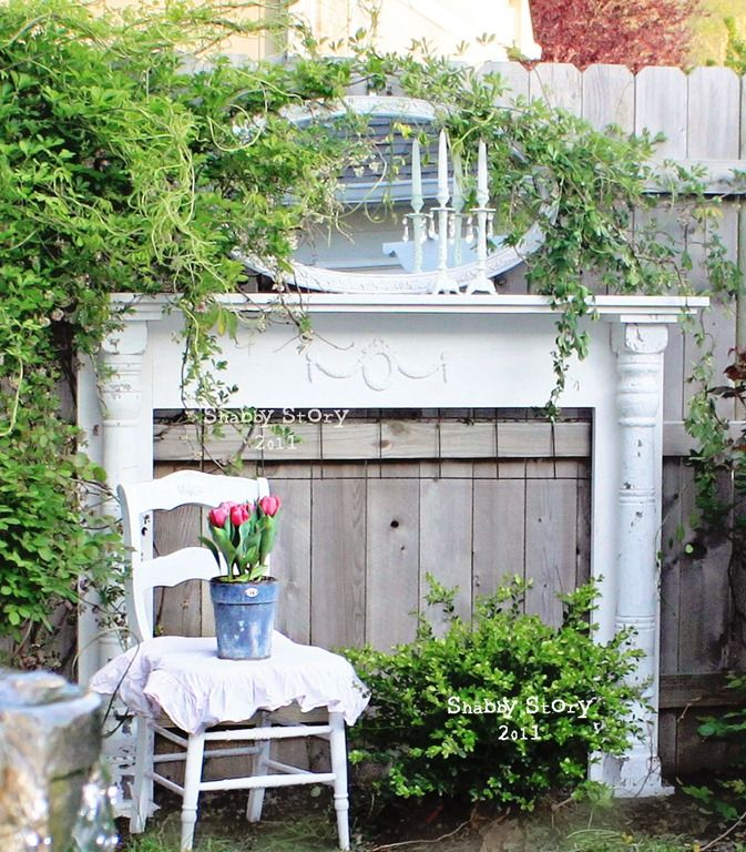 If you have any mirrors that you're not using any longer why not add them to your garden or backyard. These mirror ideas for your garden will surprise you.