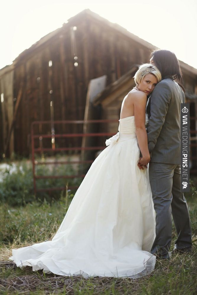 gorgeous picnic wedding photos by Jessica Janae Photography | CHECK OUT MORE IDEAS AT WEDDINGPINS.NET | #weddings #weddinginspiration #inspirational