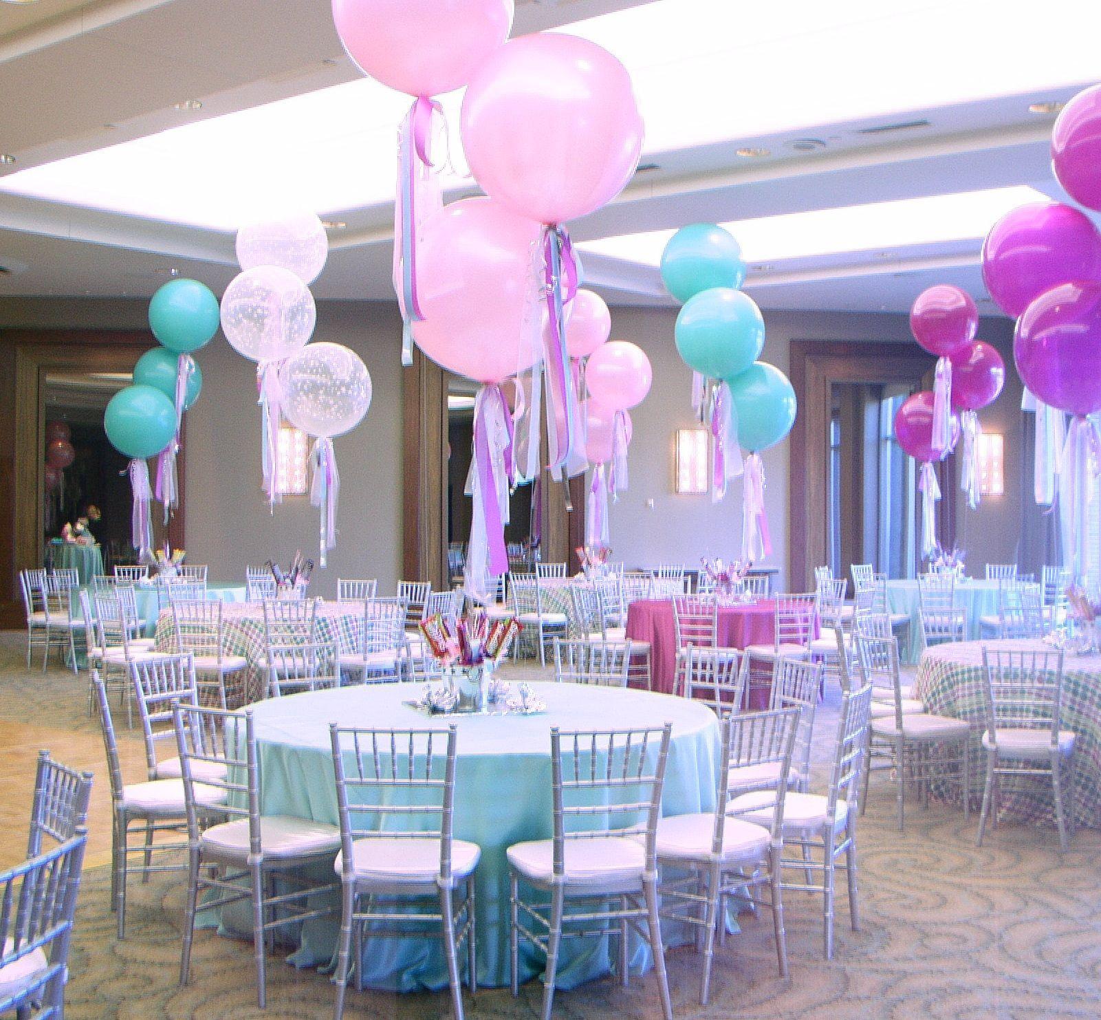 Balloon City Of Boston Birthday Party Centerpieces Balloon Centerpieces Balloons