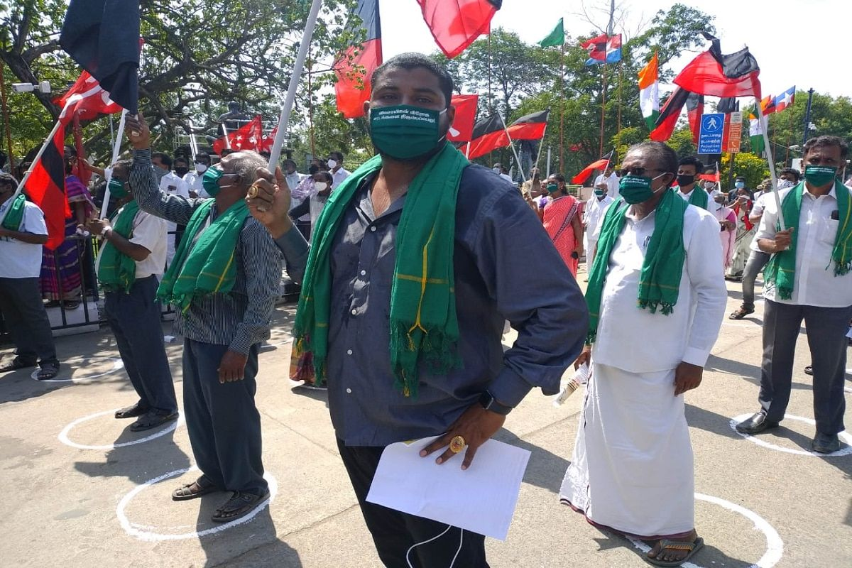 Farmers Protest Live Updates Shutdown In Karnataka Dmk Leads Massive Protest In Tamil Nadu Punjab Cm To Freedom Fighter Bhagat Singh Tamil Nadu Farmer Outfit