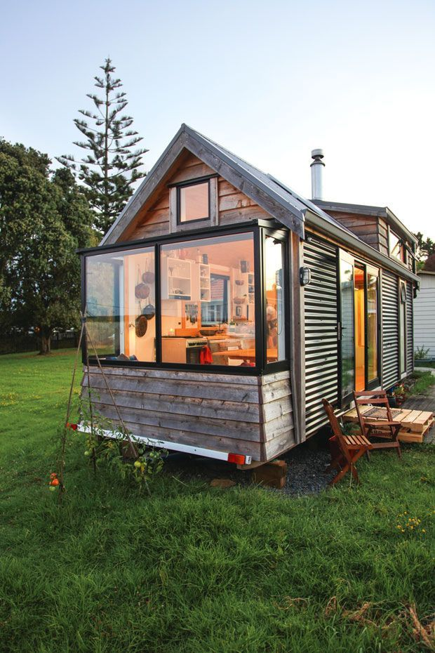 Video: Sustainable living in a tiny house on wheels, take a tour of Cam and Amanda's sweet tiny home, #Amandas #Cam #Home #house #living #Sustainable #Sweet #tiny #tour #Video #wheels