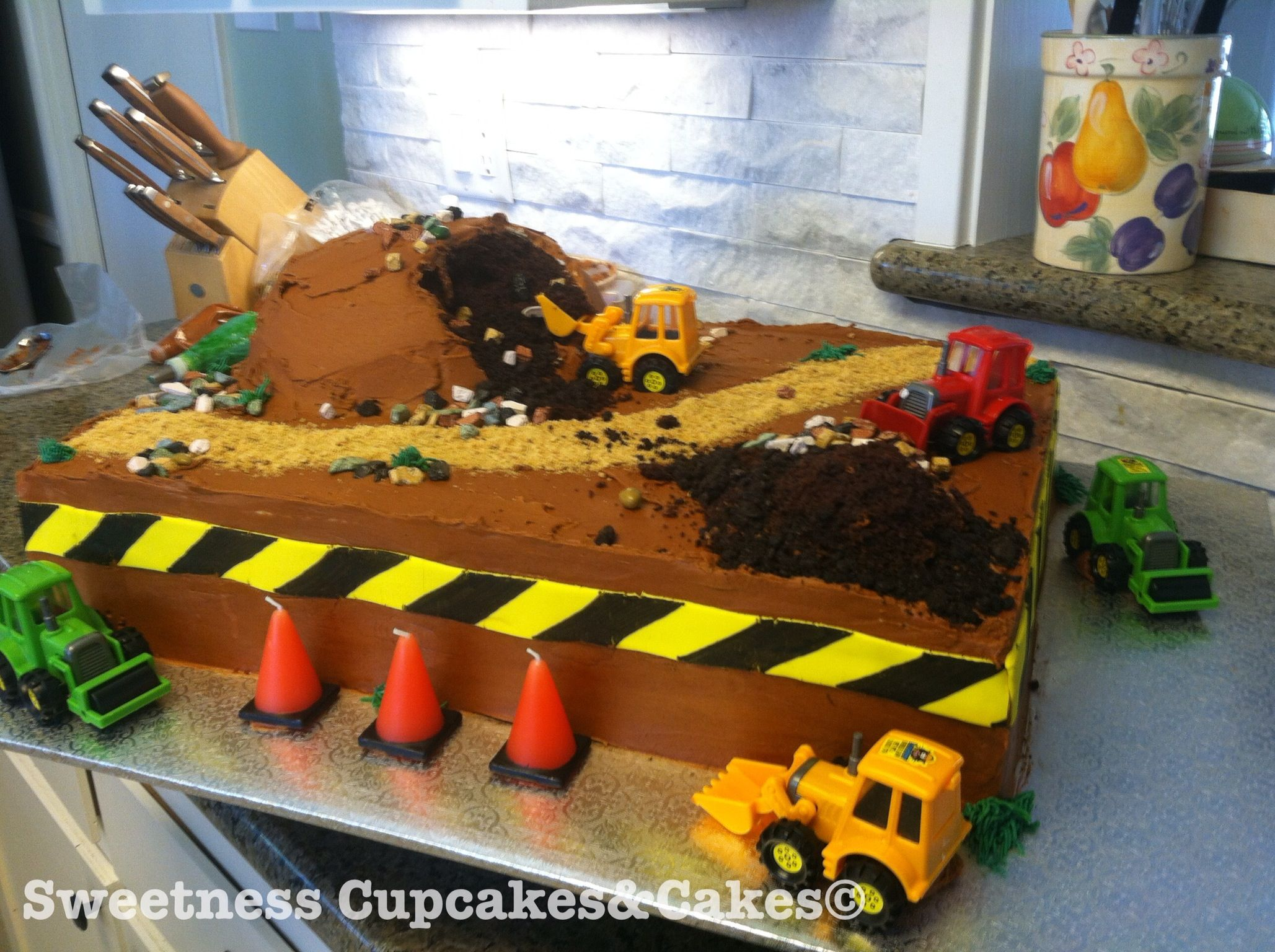 Construction theme cake. covered in buttercream the only ...