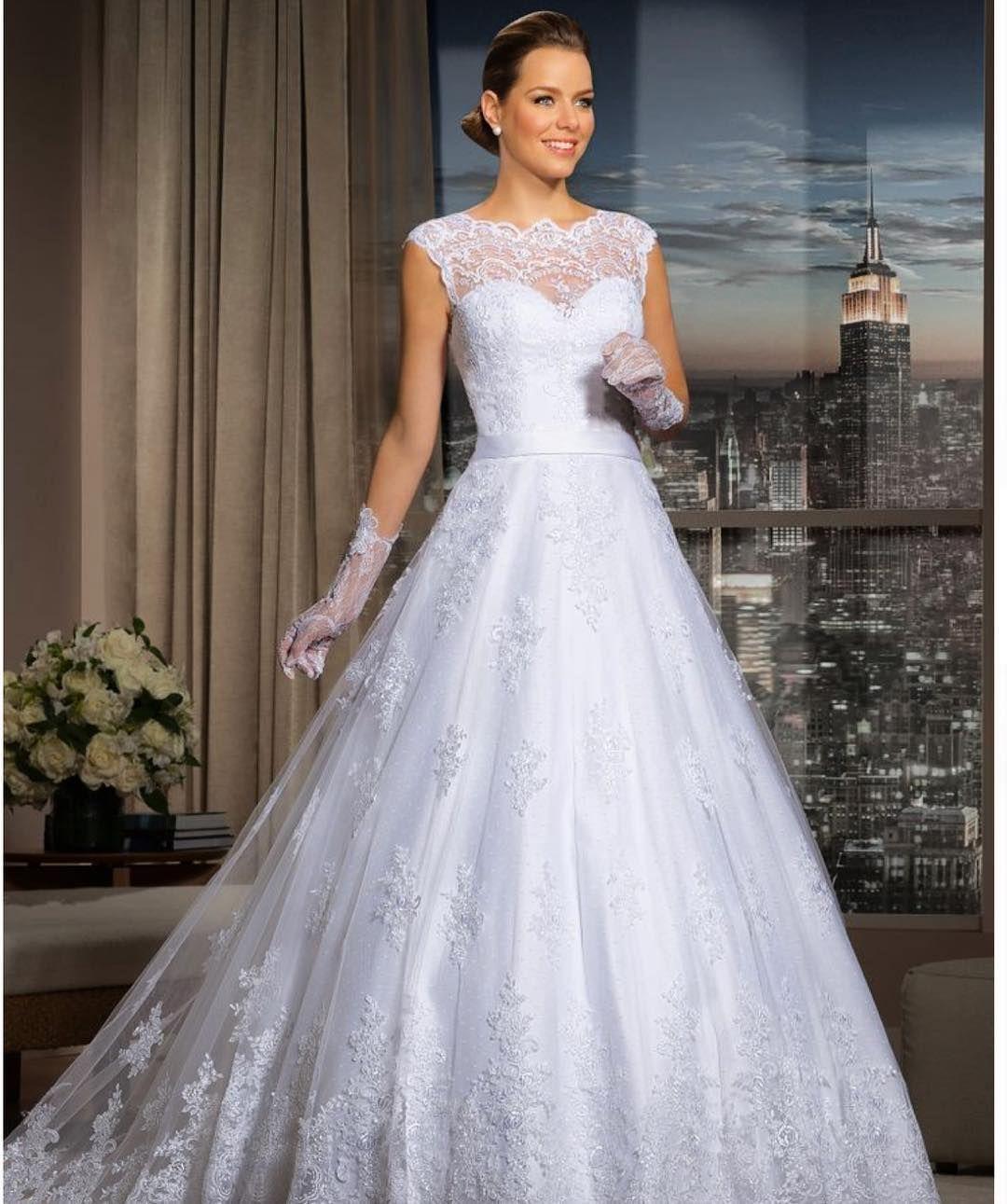 Big girl wedding dresses  Dress incrível Wedding Day Weddings Planner Plan Planning Your Big