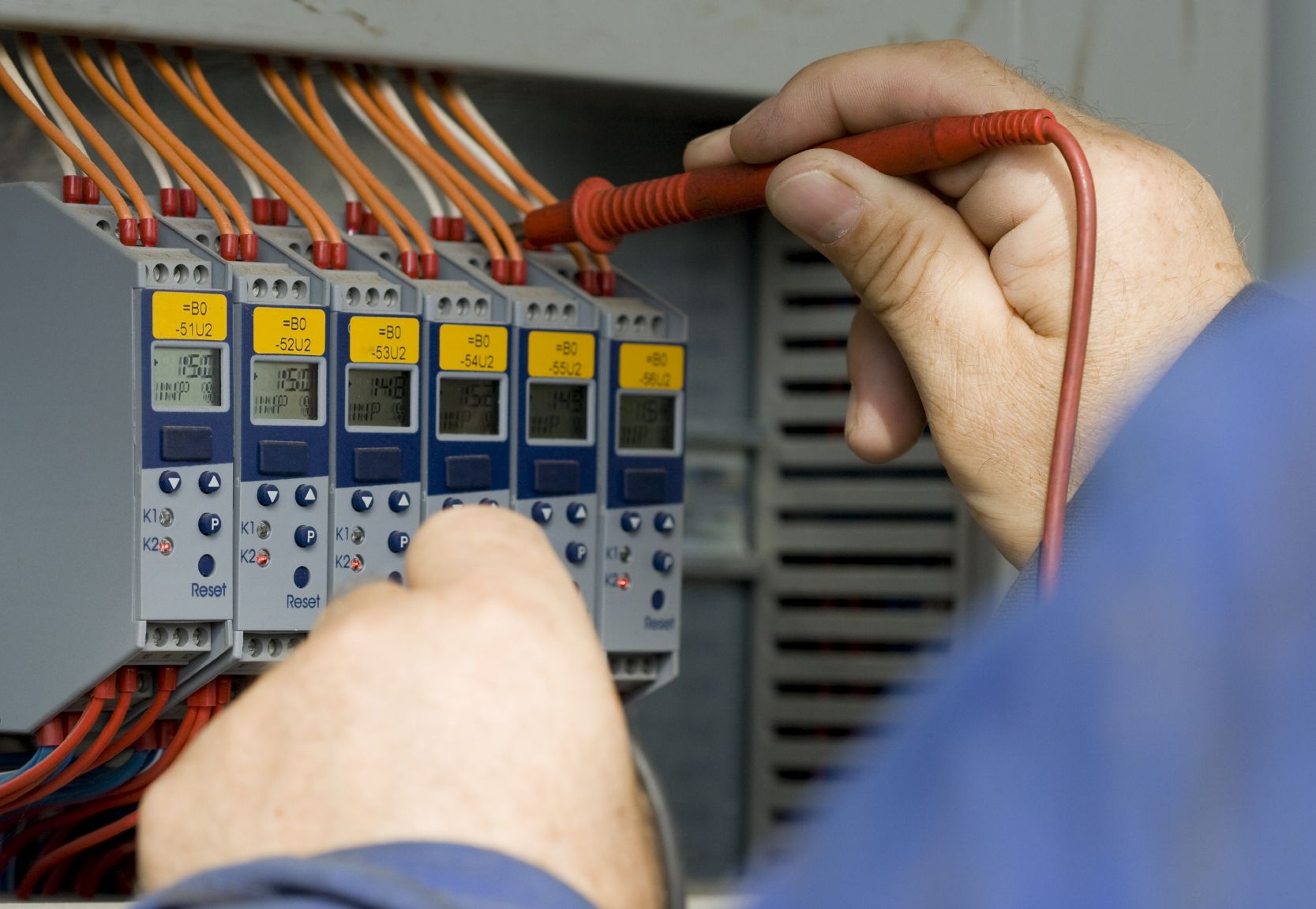 Commercial And Industrial Electrical Services By Our Experienced And Highly Trained Staff Can Install A Electrical Maintenance Electrician Services Electrician