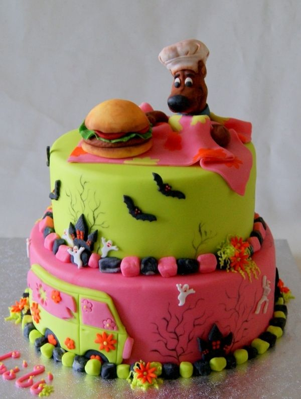 scooby doo cake  By: agnescakes  on www.cakecentral.com
